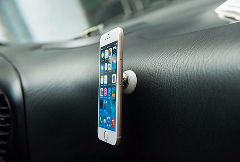 Univerzální magnetický držák na mobil do auta